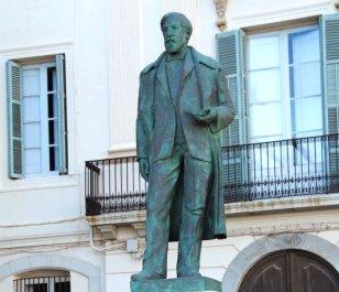 Sitges - Monument a Santiago Rusiñol