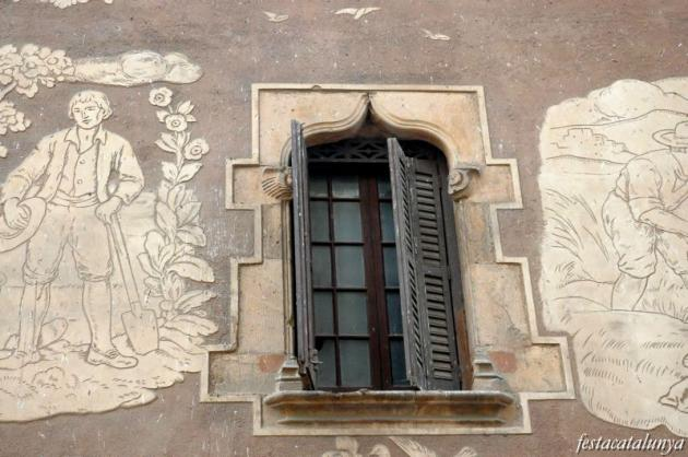 Martorell - Casa Llopart, Esgrafiats