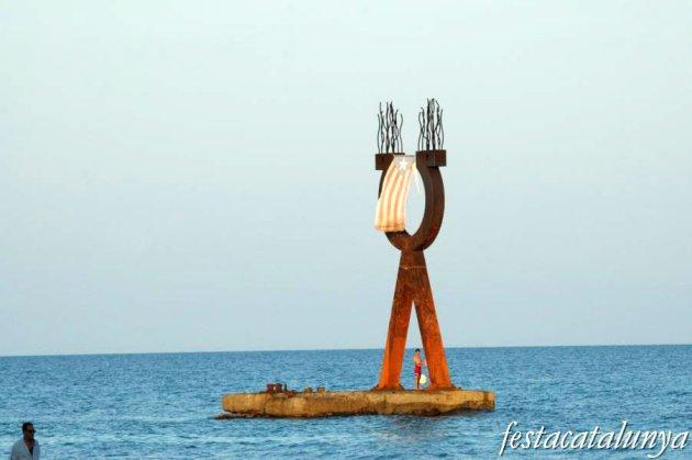 Torredembarra - Escultura Alfa i Omega
