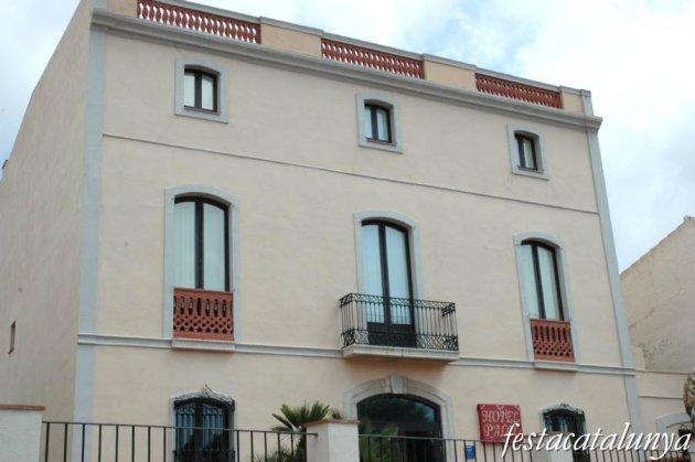 Sant Pere de Ribes - Cal Doctor Quadras