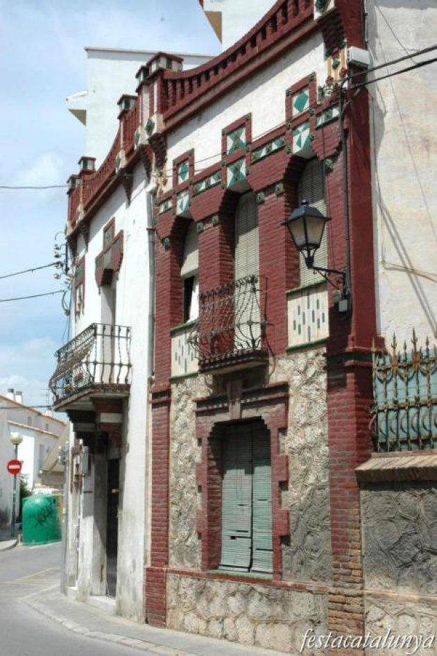 Sant Pere de Ribes - Ca la Brígida