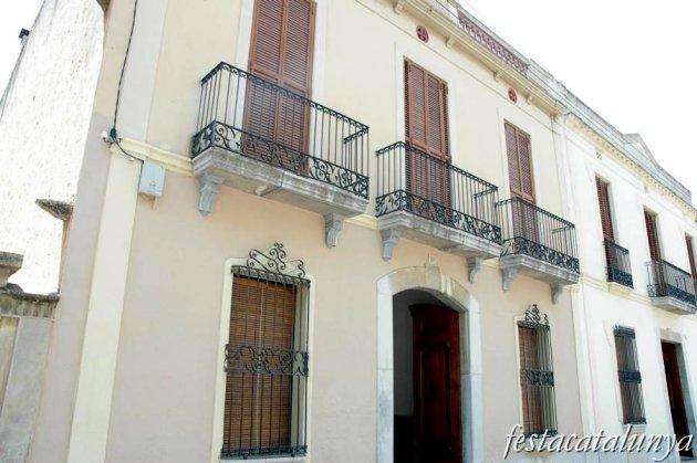 Sant Pere de Ribes - Cases d'Americanos (Can Magí del Pis)