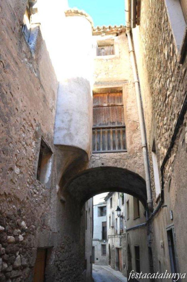 Sant Pere de Riudebitlles - Palau dels marquesos de Llo