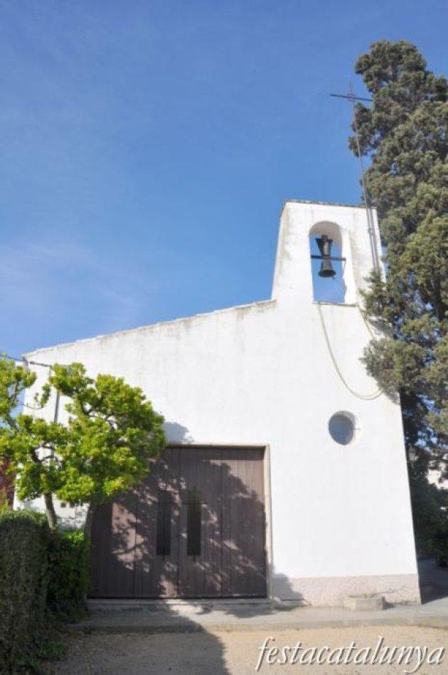 Cartró, Can (Subirats) - Església Mare de Déu dels Pobres