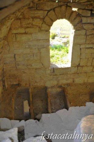 Santa Coloma de Queralt - Església romànica de Sant Pere a les Roques