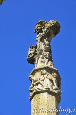 Santa Coloma de Queralt - Creu de terme gòtica de la font de les Canelles