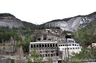 Castellar de n'Hug - Museu del Ciment de la fàbrica Asland del Clot del Moro