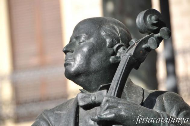 Vendrell, El - Plaça Nova (Monument a Pau Casals)