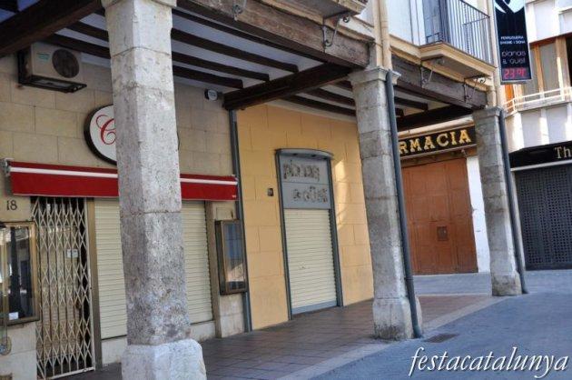Vendrell, El - Plaça Nova (Les Voltes)