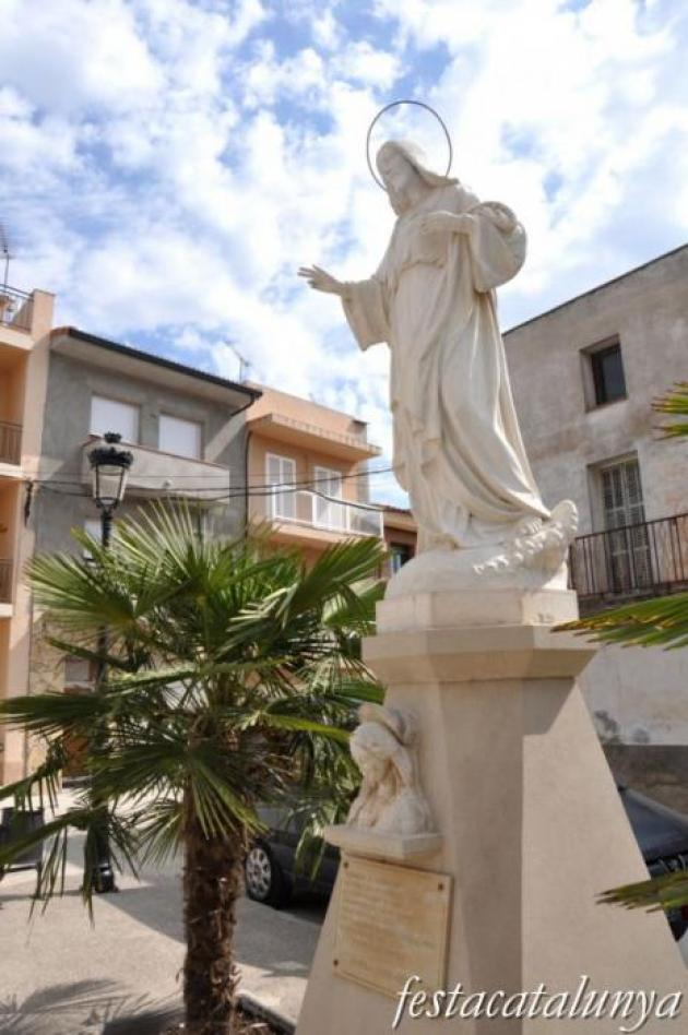 Linyola - Nucli antic (Monument al Sagrat Cor)