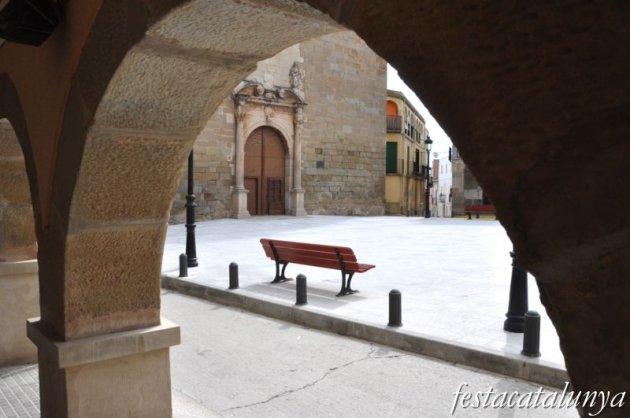 Linyola - Plaça de l'església