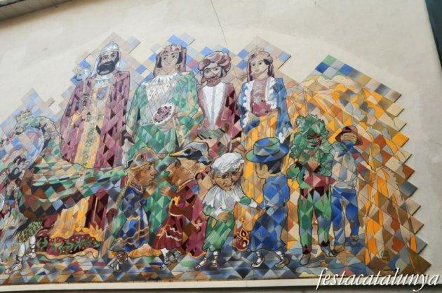 Berga - Mural de la Patum a l'Antic Hospital