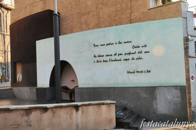Berga - Monument al poeta Miquel Martí Pol
