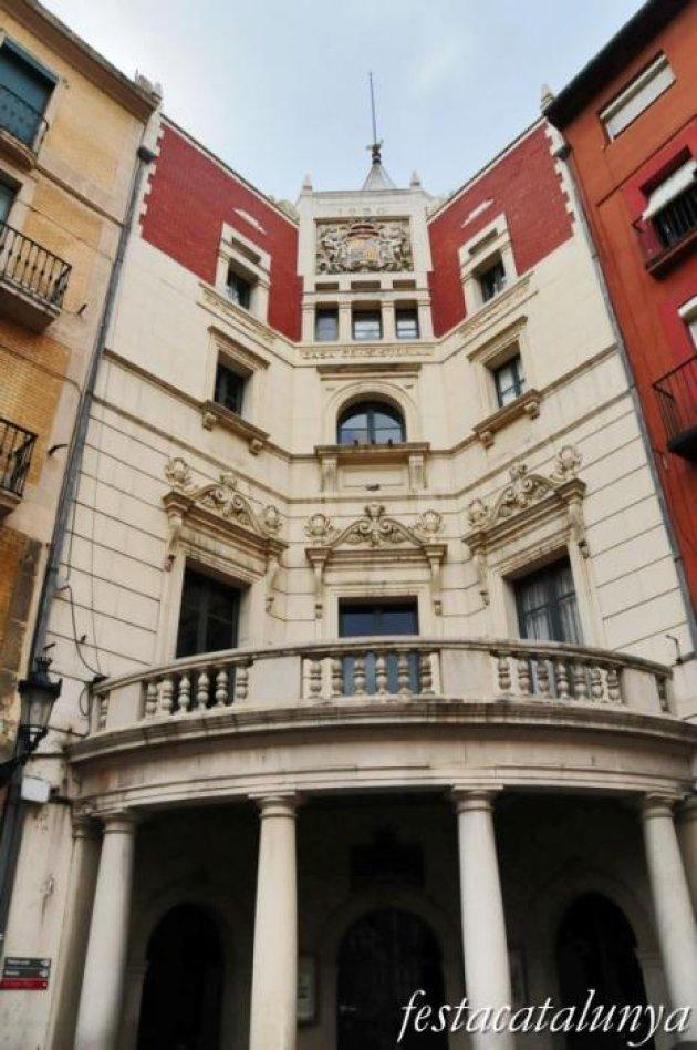 Berga - Nucli antic (Ajuntament a la Plaça de Sant Pere)