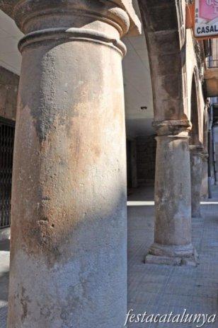 Bellpuig - Edificis notables del carrer Homentage a la Vellesa