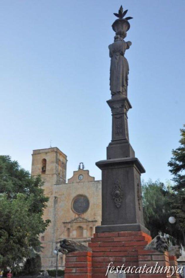 Riudoms - Plaça de l'Església