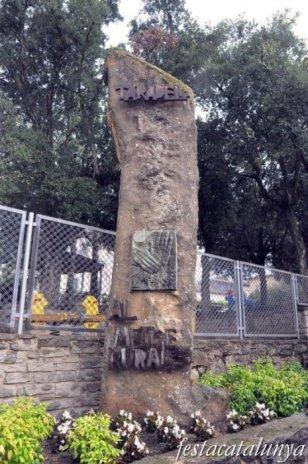 Taradell - Plaça de les Eres (Monument al metge rural)
