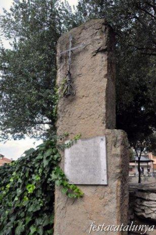 Taradell - Plaça de les Eres (Monument a la darrera mort del còlera)