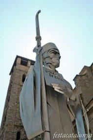 Vic - Estàtua de l'Abat Oliba