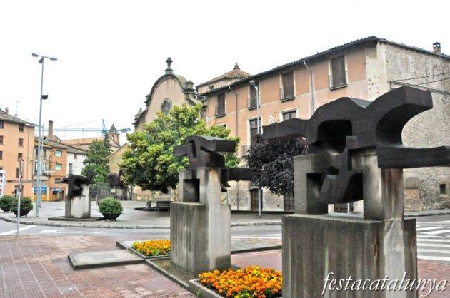 Vic - Església i Hospital de la Santa Creu