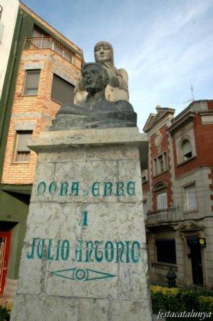 Móra d'Ebre - Monument Julio Antonio