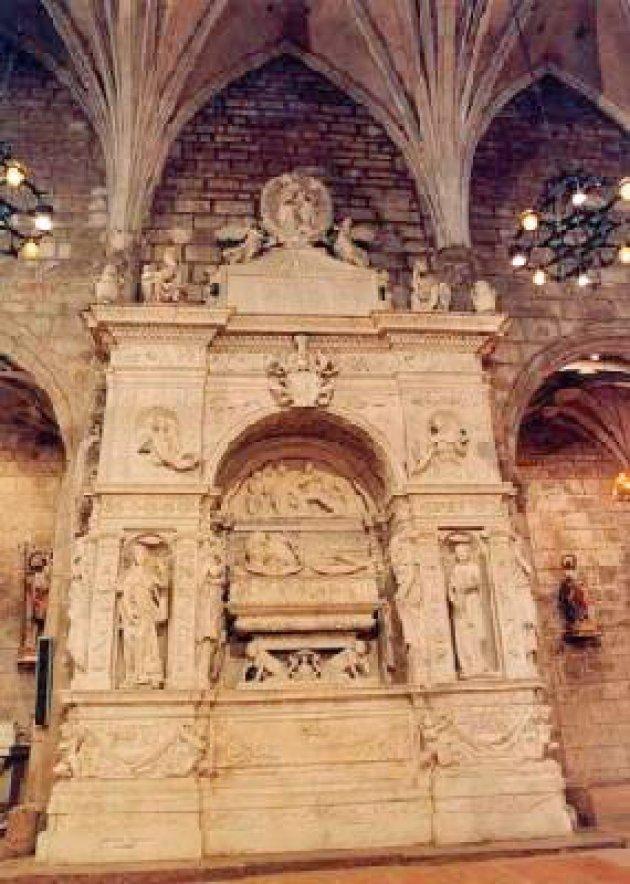 Bellpuig - Sepulcre de Ramon Folch III de Cardona-Anglesola (Foto: Ajuntament de Bellpuig)