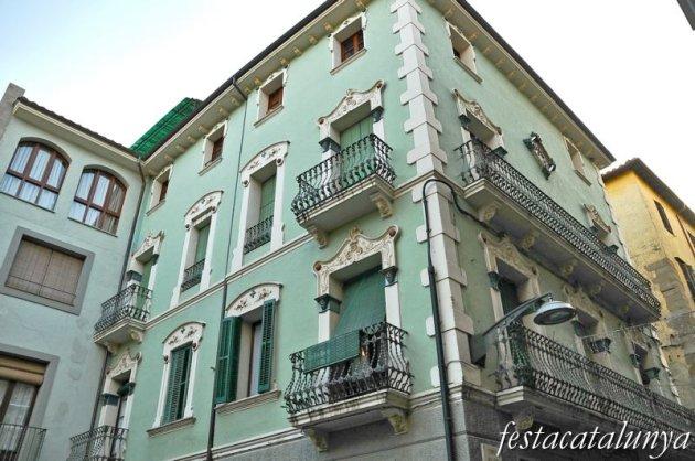 Olot - Casa Escubós