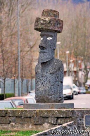 Olot - Moai