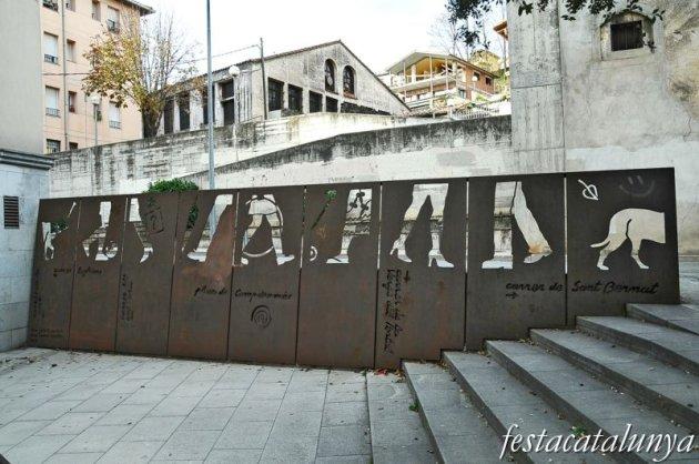 Olot - Els Passejants, 2000