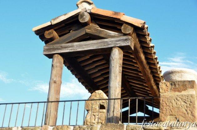 Torà - Sarcòfags medievals a Claret