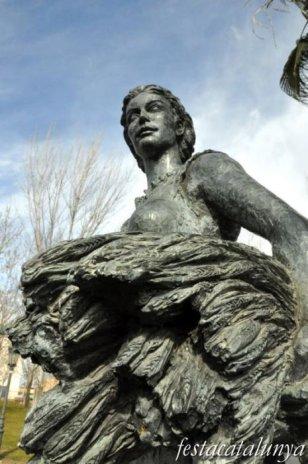 Sant Quirze del Vallès - Parc de les Morisques (Escultura Dona del Neolític)
