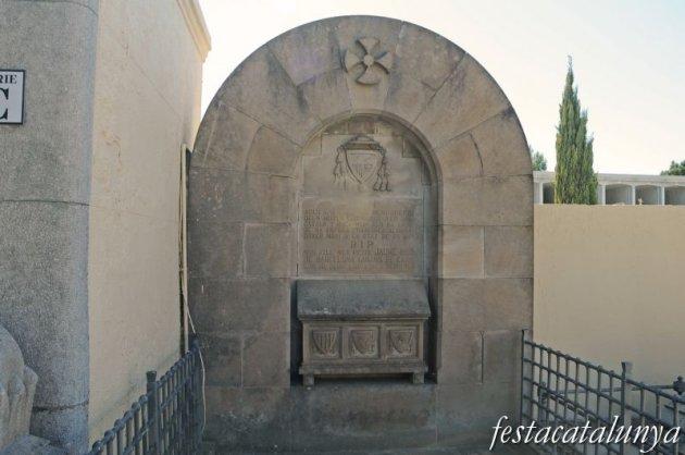 Arenys de Mar - Hipogeu dels pares del bisbe català
