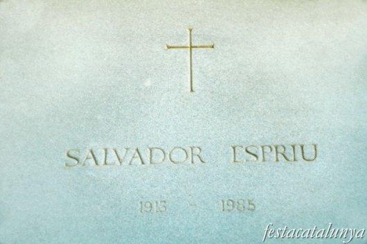 Arenys de Mar - Sepultura de Salvador Espriu