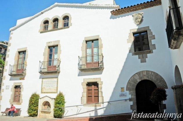 Arenys de Mar - Ajuntament i Arxiu Fidel Fita