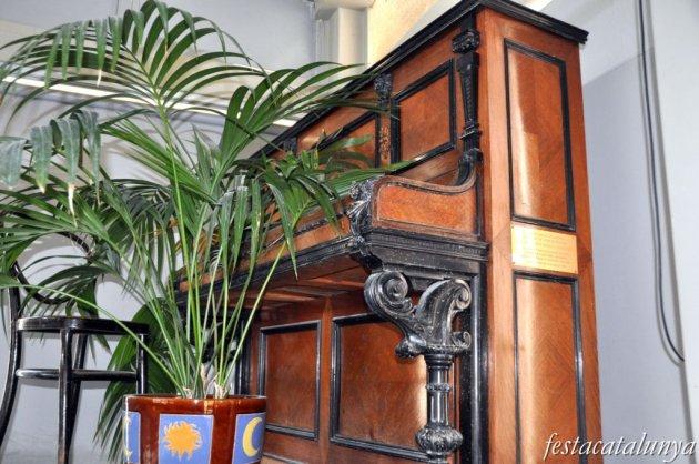 Caldes de Malavella - Casa Rosa o Casa Estapé (Piano de Lluís Ferrer i Puigdemont, fundador de l'Orquestra Malavella))