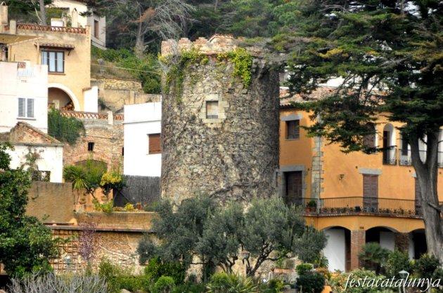 Caldes d'Estrac - Torres de guaita i defensa (Torre Verda)