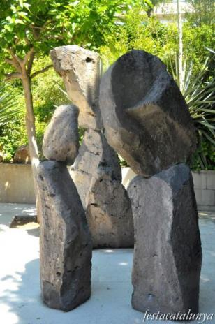 Esplugues de Llobregat - Conjunt Històric del Turó de la Sagrera - Escultures de Xavier Corberó