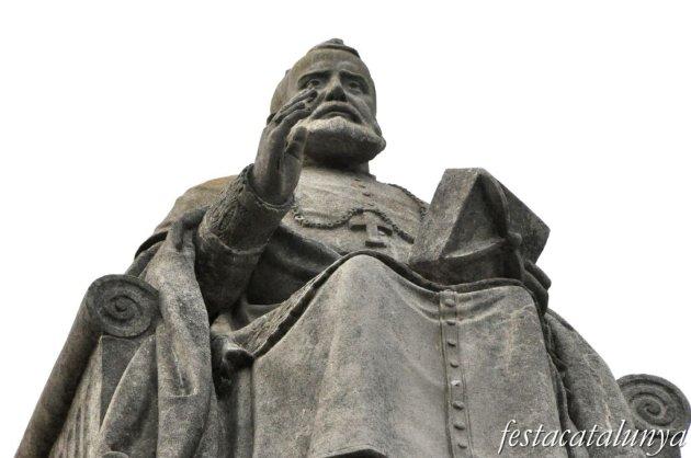 Sant Andreu de Llavaneres - Monument al Cardenal Vives i Tutó
