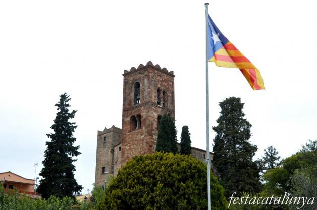 Sant Pere de Vilamajor - Torre roja o campanar de Sant Pere