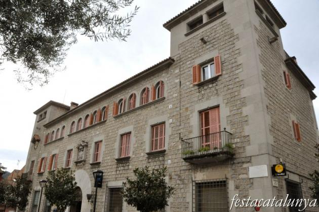Llinars del Vallès - Edifici de la Caixa de Pensions