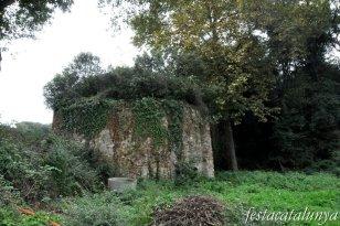 Llinars del Vallès - Pou de la glaç