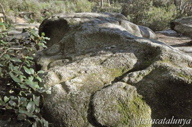 Roca del Vallès, La - Pedra de les Creus