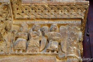 Vilagrassa - Portalada romànica de l'església de Santa Maria