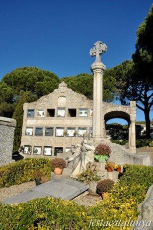 Cardedeu - Panteó família Viader (Cementiri municipal)