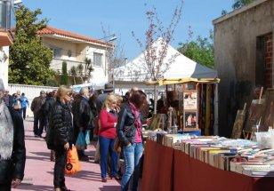 Santa Margarida i els Monjos - Mercat d'Artesans, Pintura i Brocanters (Foto: Ajuntament de Santa Margarida i els Monjos)