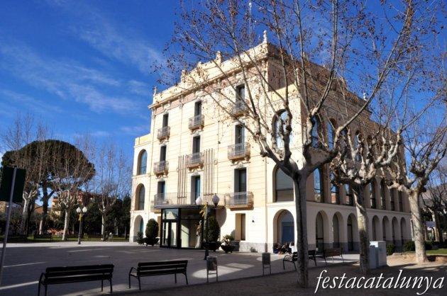 Olesa de Montserrat - Ajuntament, antic hotel Gori