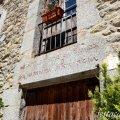 A l'entorn de la Plaça del castell i de l'església de Maçanet de Cabrenys