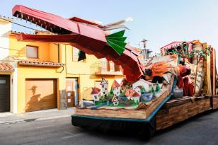 Torelló - Carnaval de Terra Endins (Foto: www.carnavaltorello.cat)