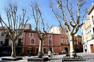 Mataró - Plaça de Santa Maria - Cases Milà i Escolà