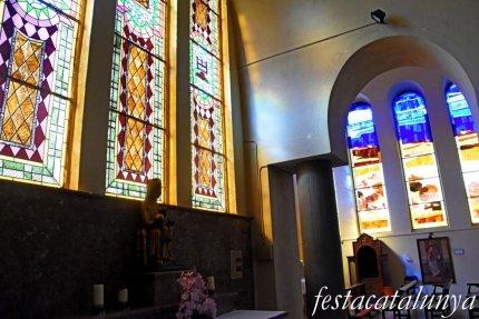 Molins de Rei - Vitralls de l'església de Sant Miquel Arcàngel - Vitralls Mare de Déu de Montserrat